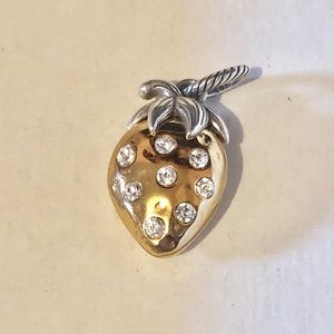 🆕Listing Brighton big gold strawberry charm